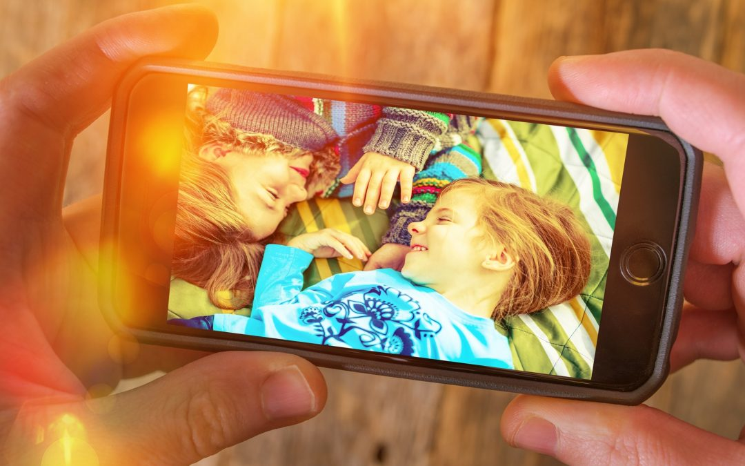 5 Reasons Why You Should Switch to Digital Photo Albums